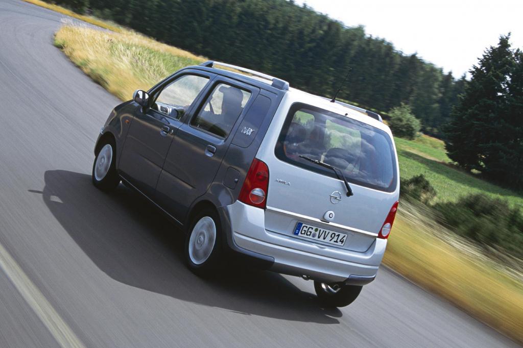 Mit Rost hat der Opel wenig zu tun. Karosserie und Achsen sind gegen die braune Pest gut geschützt