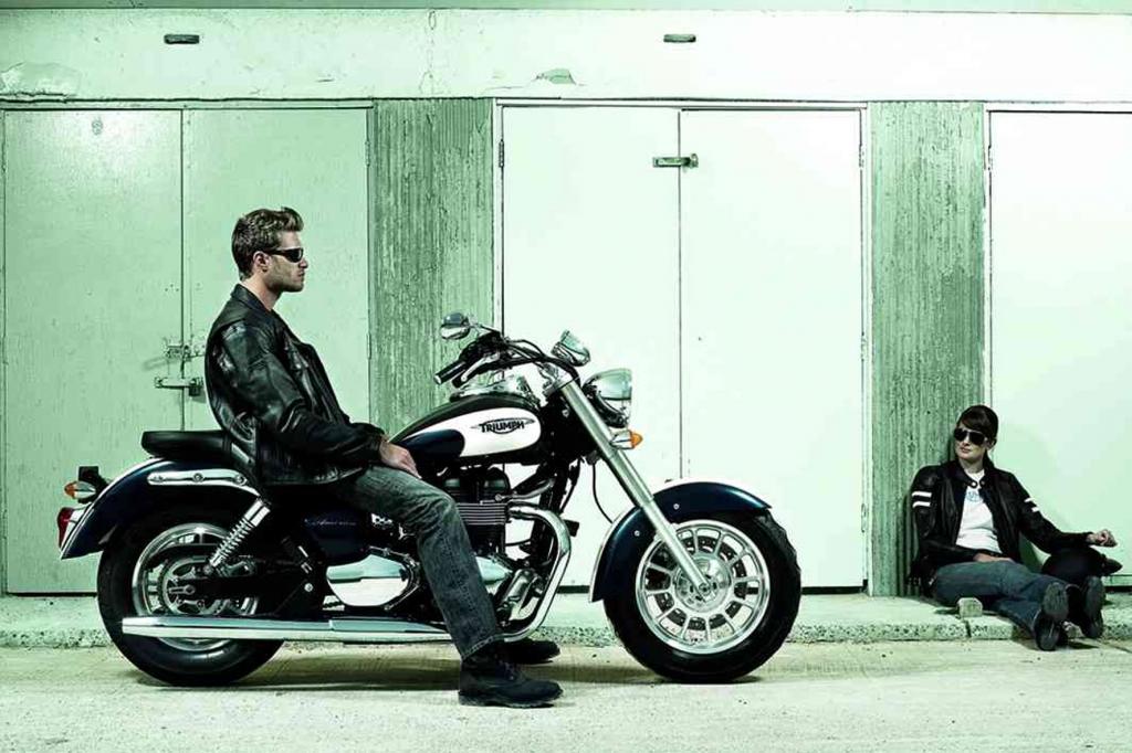 Motorrad Triumph America: Langer, tiefer Britencruiser