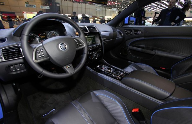 New York 2011: Jaguar XKR-S aufgewertet
