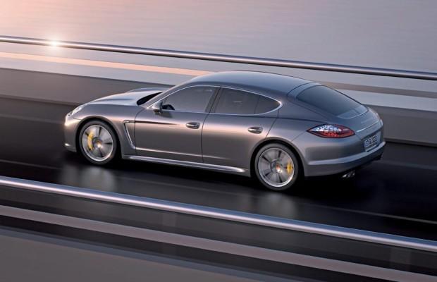 Porsche streckt den Panamera
