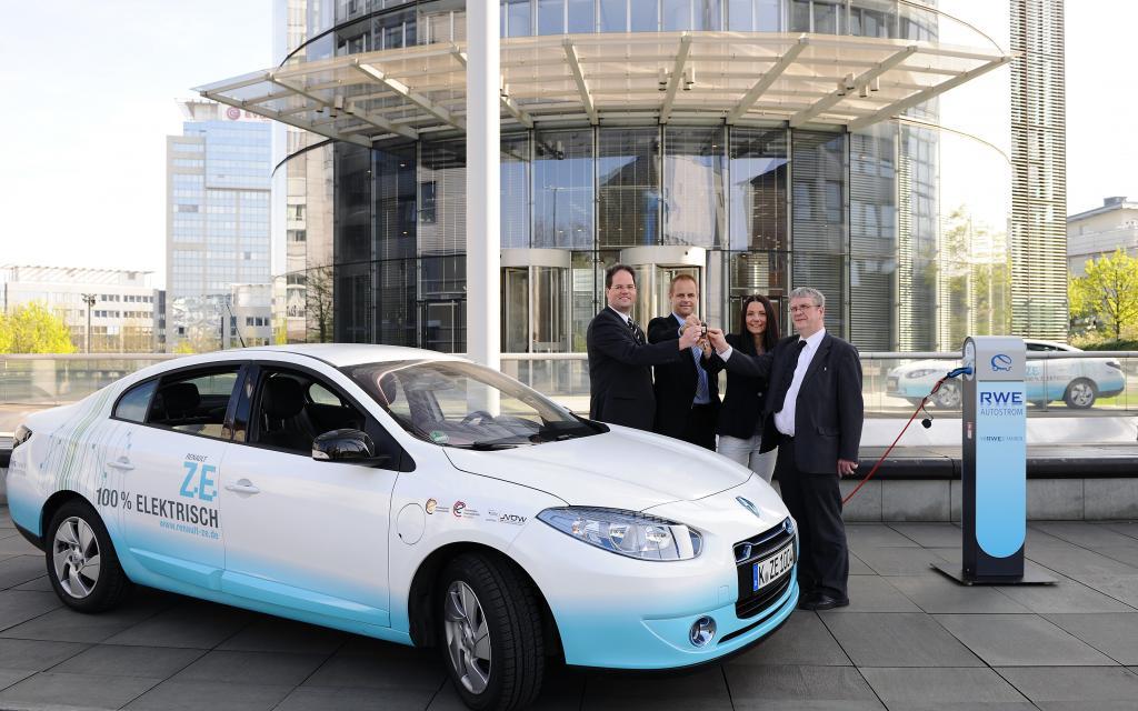 RWE testet Elektrolimousine von Renault im Alltag