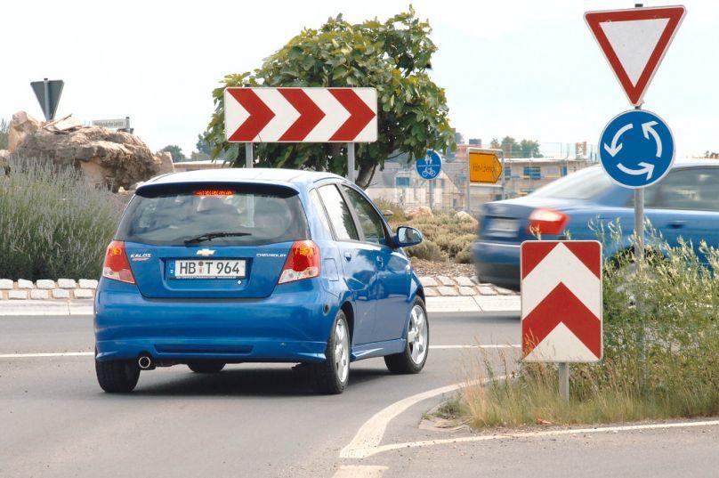Ratgeber Kreisverkehr - Die wichtigsten Regeln im Kreisel