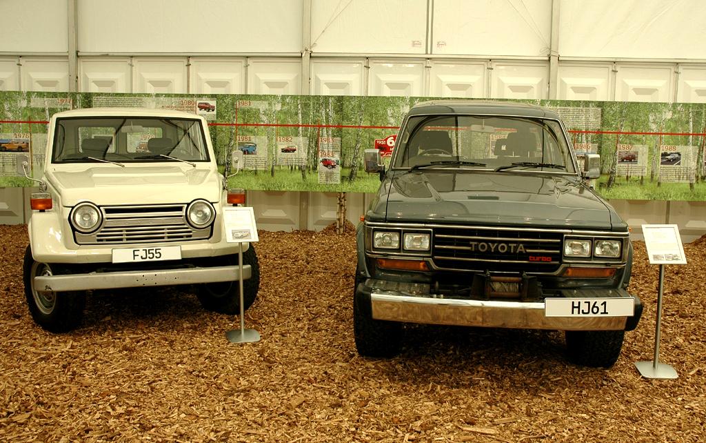 Toyota Land Cruiser: Auch der FJ 55 und der HJ 61 gehören zur Baureihen-Geschichte.