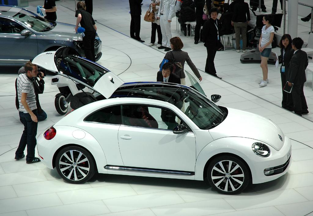 VW Beetle: Selbst ein Panorama-Glasdach ist möglich.