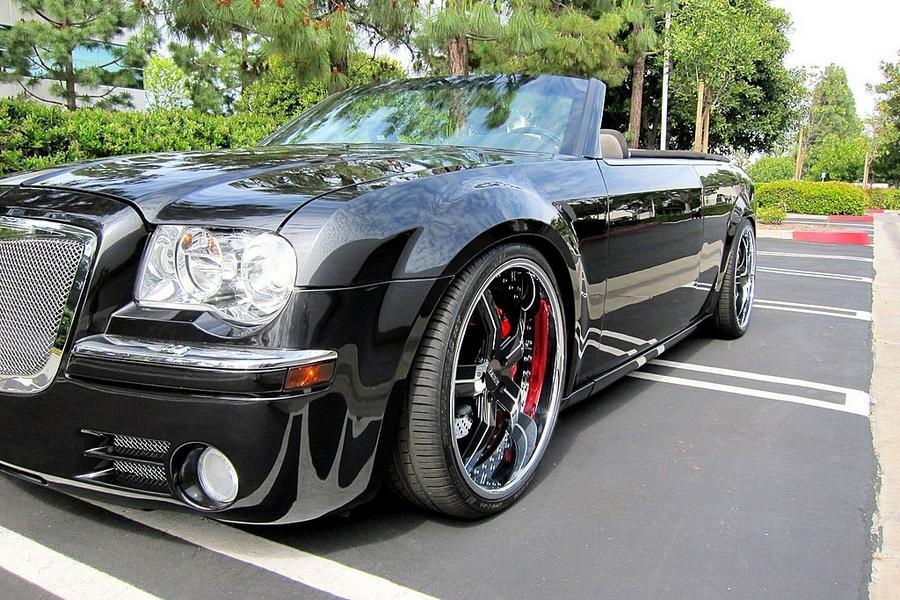 Von vorne könnte man tatsächlich meinen es handele sich um einen Bentley, Foto: Ebay
