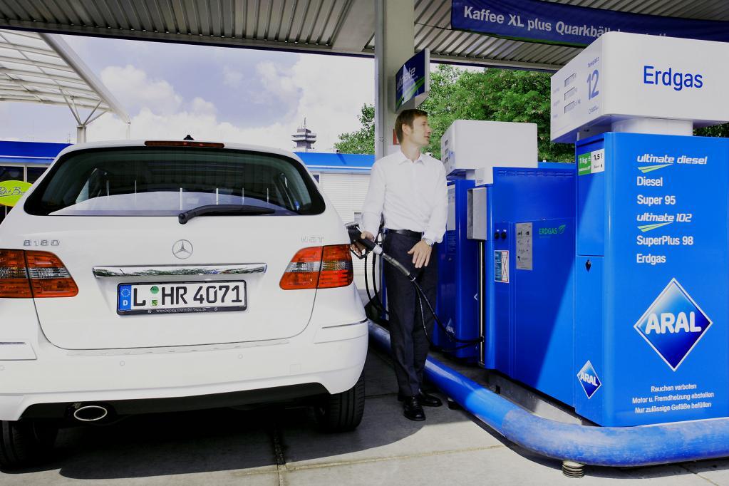 Vorfahrt für Erdgasautos fordern vor dem Branchentreffen in Berlin Verbände wie