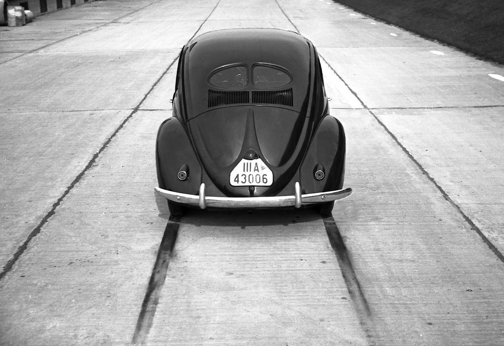 Vorserien-Käfer von VW (1938).