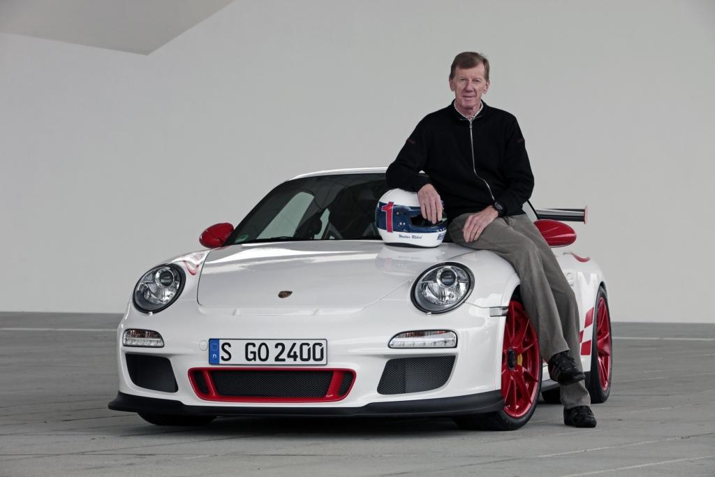Walter Röhrl startet im Porsche 911 GT3 RS.