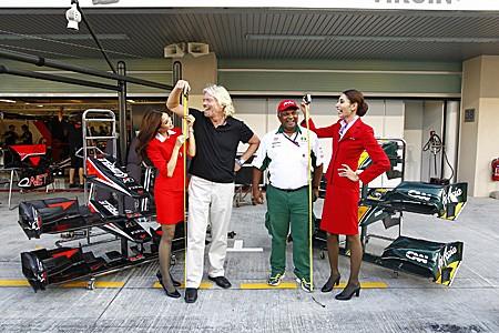 Wettschuld: Milliardär Richard Branson nach Verlust von Formel 1-Wette als Stewardess