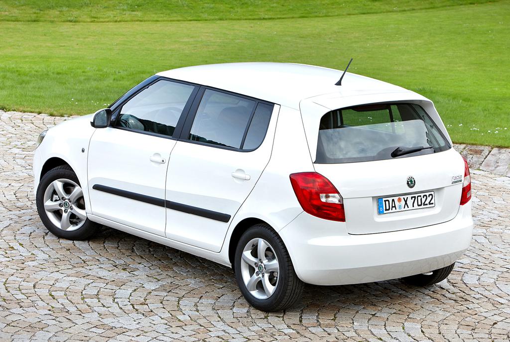 Škoda Greenline: Der Fabia in Heck-/Seitenansicht.