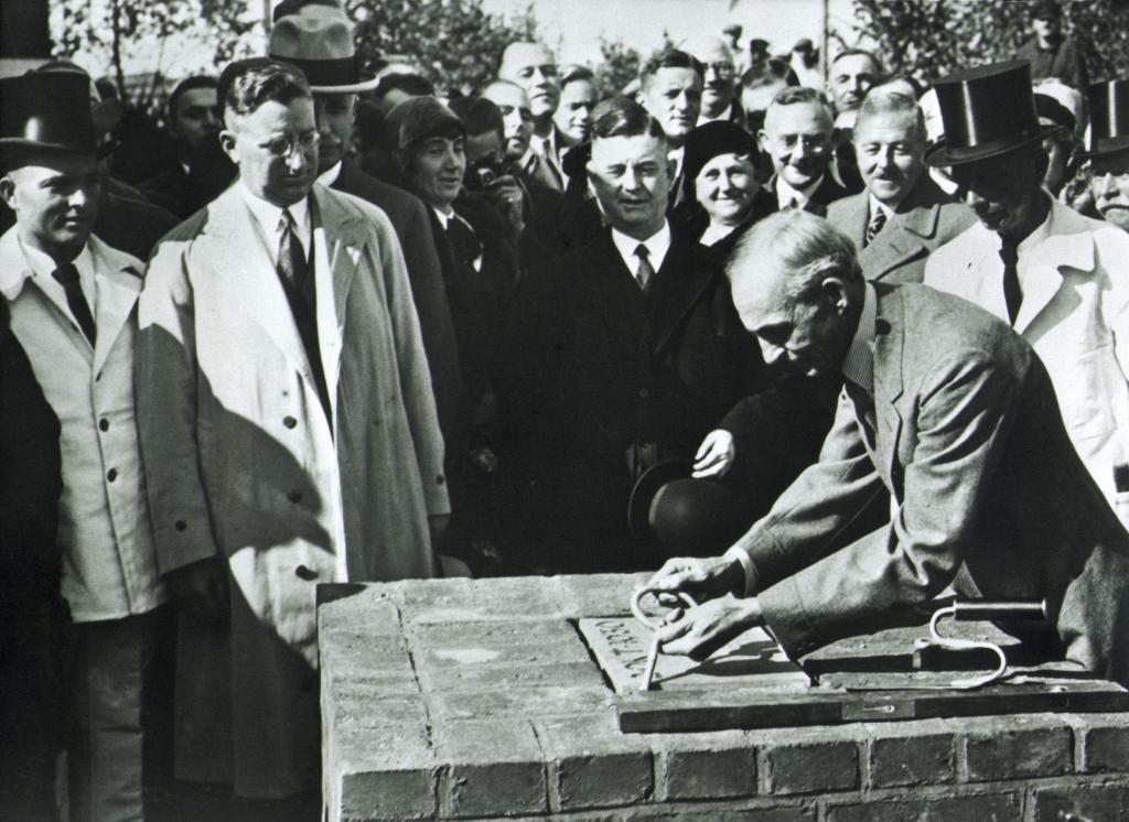 80 Jahre Ford in Köln: Grundsteinlegung 1930.