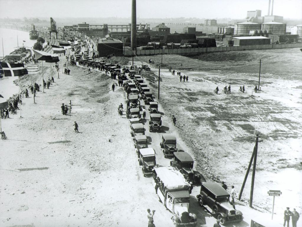 80 Jahre Ford in Köln: Sternfahrt nach Niehl 1931.