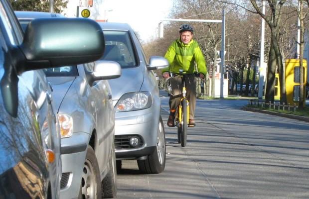 Außenairbag und Co: Mehr Sicherheit für Radfahrer