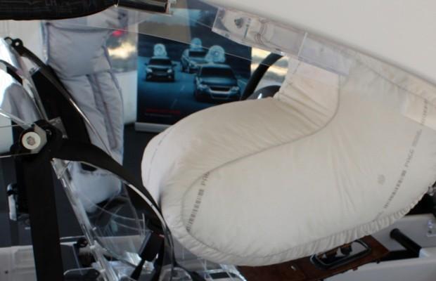 Dach-Airbag - Mehr Platz für die Handschuhe