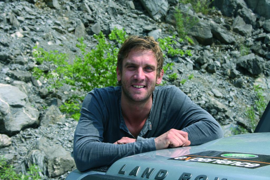 Dschungelkönig fährt mit Land Rover nach Bolivien