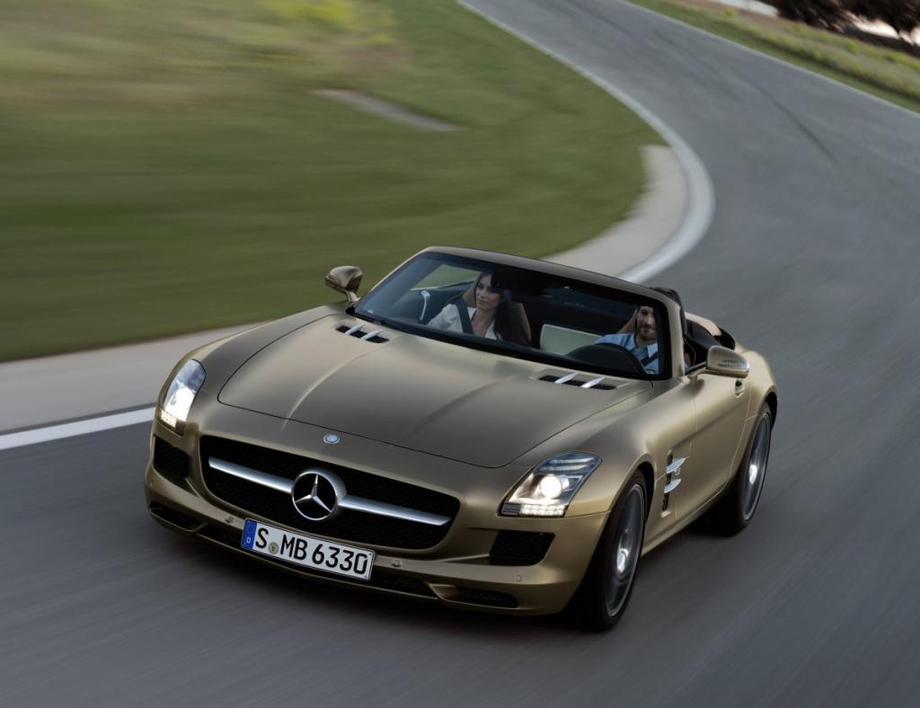 Ein wahrer Hingucker ist der SLS Roadster von Mercedes.