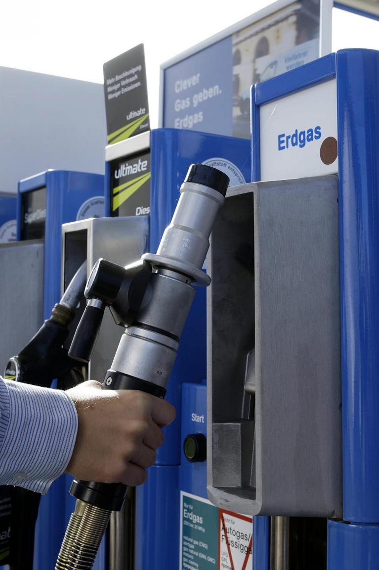 Erdgasauto: Knapp 900 Tankstellen stehen parat