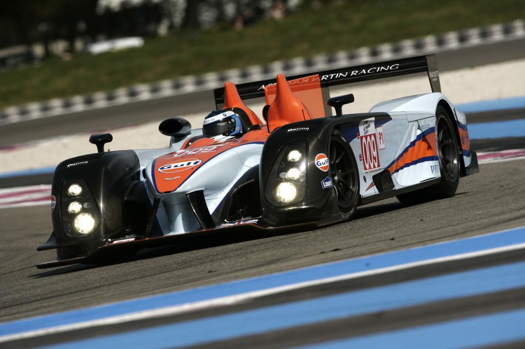 Hella Scheinwerfer kommen beim Aston Martin Racing Team zum Einsatz