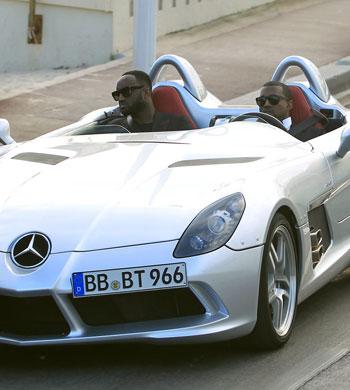 Kanye West in seinem Supersportler beim Auftritt bei der AIDS-Gala in Cannes, Foto: Socialite Life