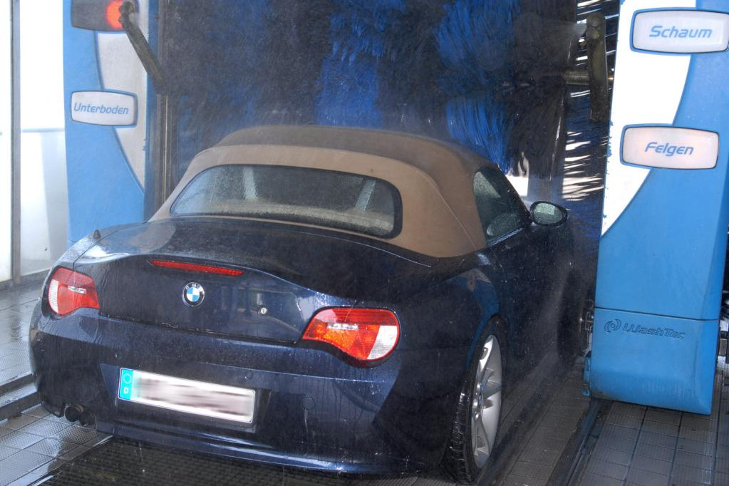 Mit dem Cabrio in die Waschanlage