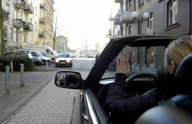 Neid und Liebe regieren den Straßenverkehr