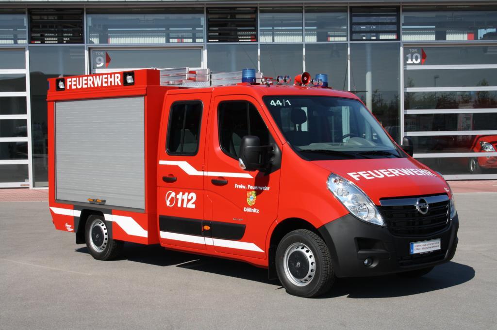 Opel mit fünf Fahrzeugen auf der
