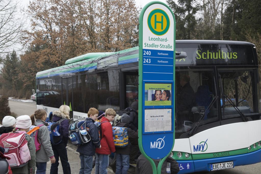 Ratgeber - Vorsicht an Bushaltestellen