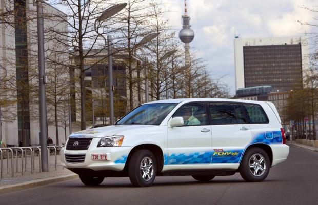 Toyota mit Wasserstoff und Hybridantrieb auf der Challenge Bibendum