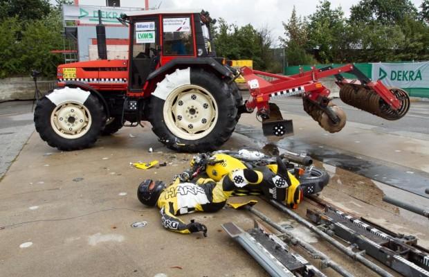 Traktorunfälle - Tödliche Gefahr für Biker