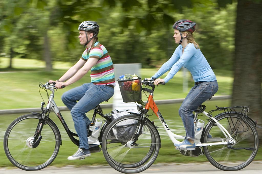 Zweiradsicherheit - Helmpflicht für Pedelecs gefordert