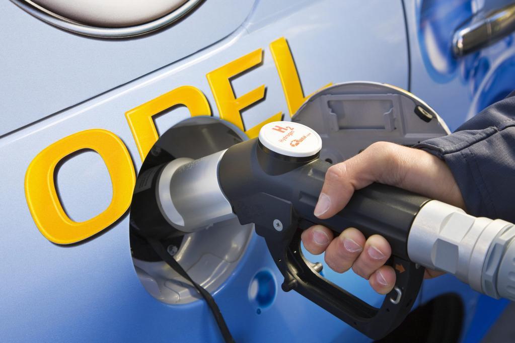 Allerdings gibt es derzeit weniger als zehn frei zugängliche Wasserstoff-Tankstationen in Deutschland.