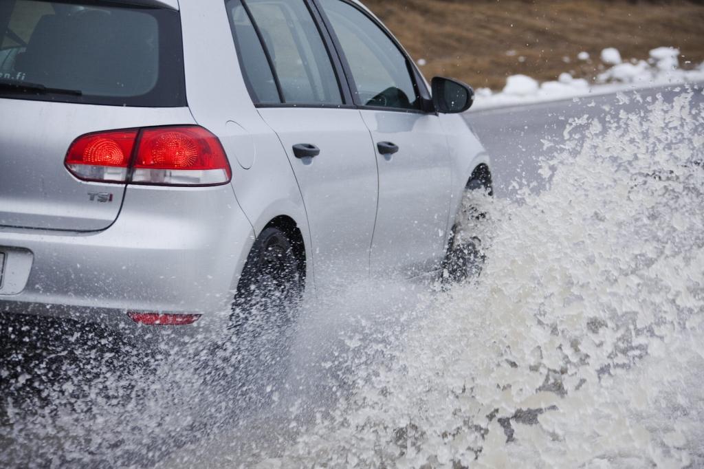 Aquaplaning-Gefahr: Wenn das Auto die Bodenhaftung verliert