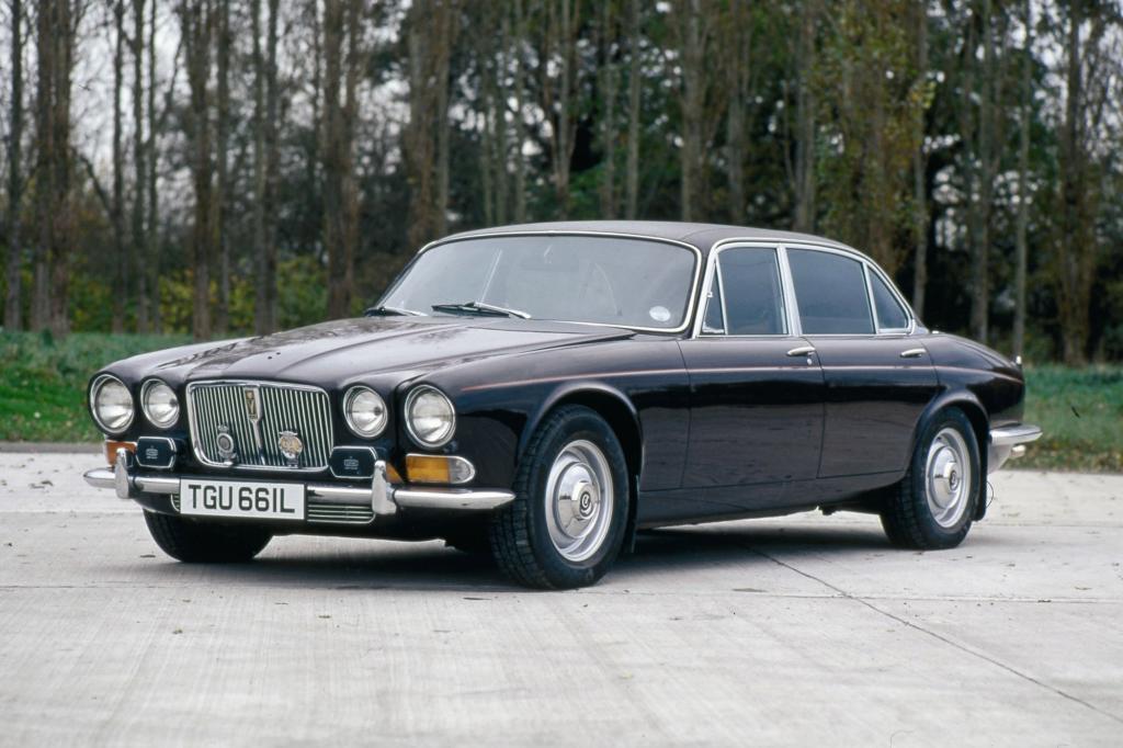 Auch Queen Mum fuhr mit einem Zwölfzylinder-Jaguar
