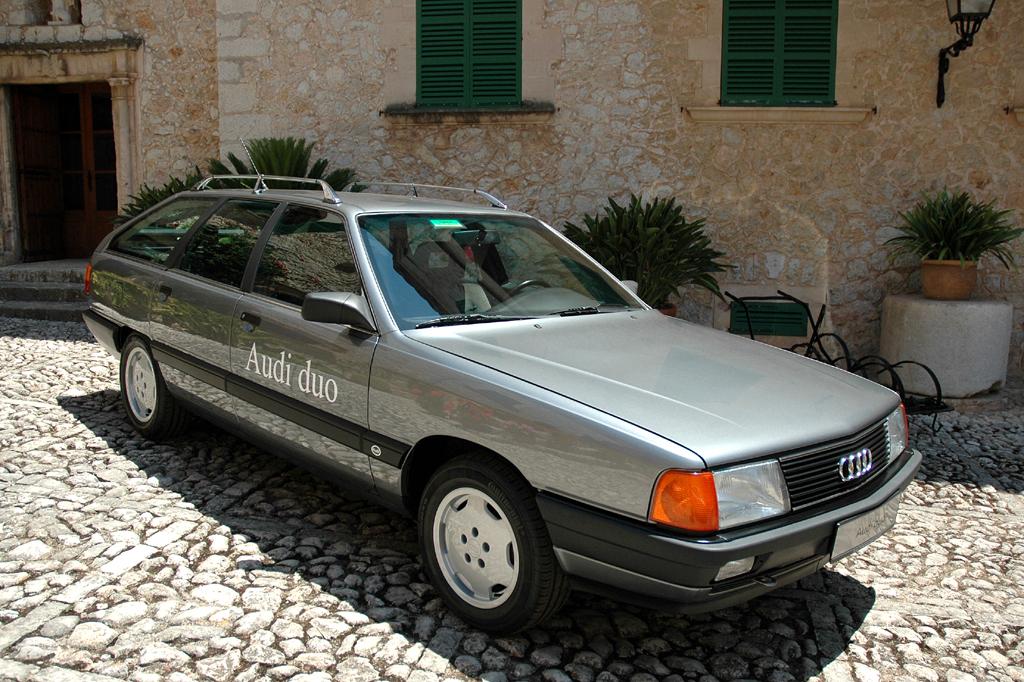 Audi Q5 Hybrid Quattro: ... auf dem damaligen A4 Avant aufbauende Audi duo.