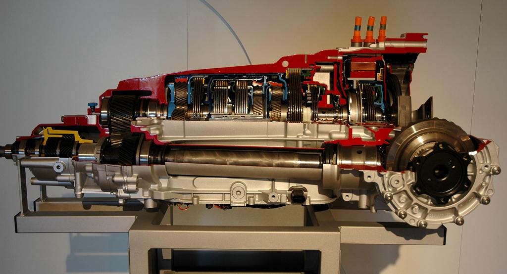 Audi Q5 Hybrid Quattro: Schnittmodell der Achtstufen-Automatik mit weiter Spreizung.