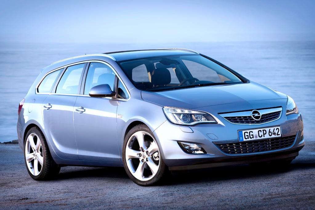Auf der Rückbank des Opel Astra lässt es sich ebenfalls prima verreisen.
