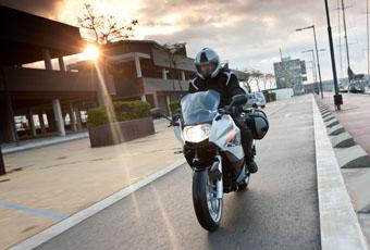 BMW F 800 ST: Sportlich touren