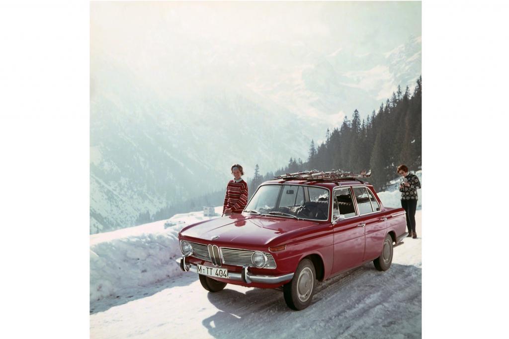BMWs Neue Klasse vor Alpenpanorama