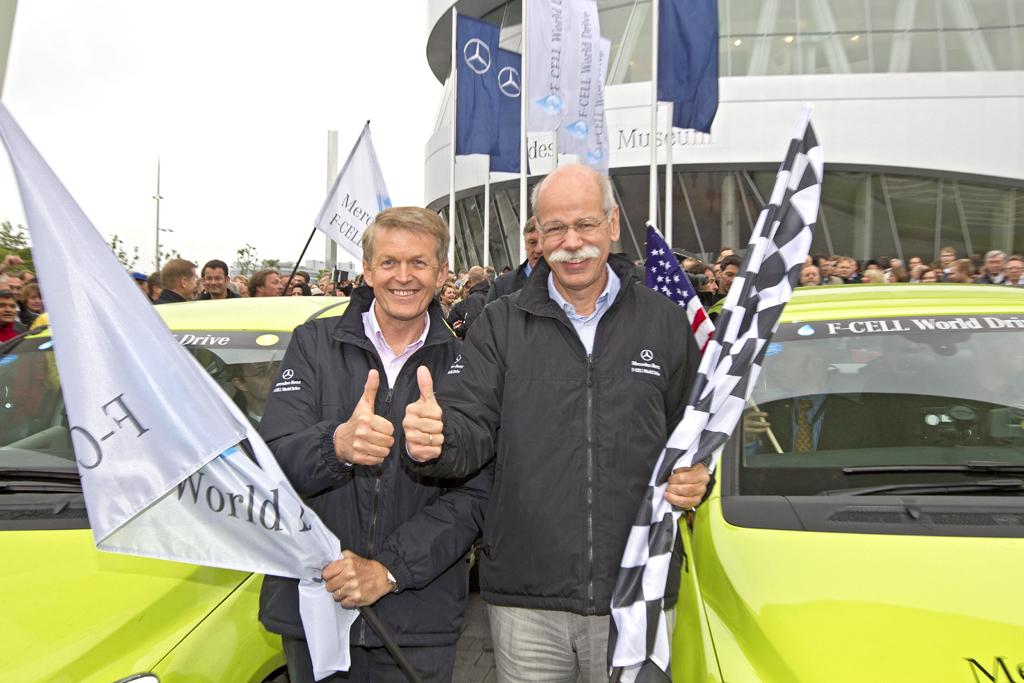 Beim Finale Anfang Juni wieder in Stuttgart: Forschungs- und Entwicklungsvorstand Thomas Weber (links) und Daimler- und Mercedes-Chef Dieter Zetsche.