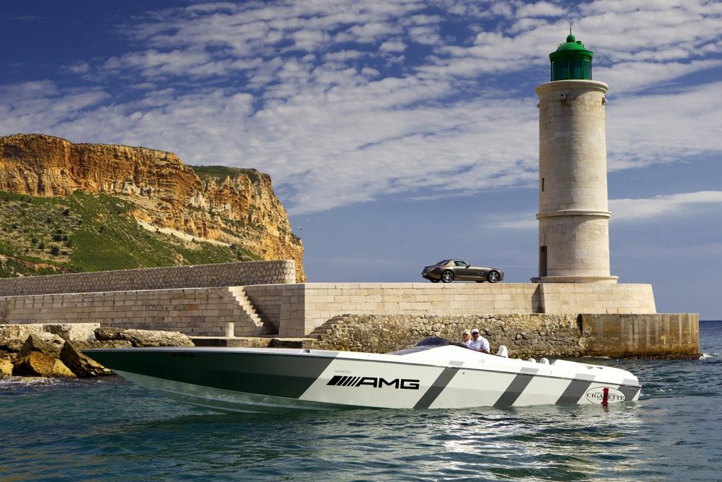 Cigarette-Boot inspired by AMG - Dieser Mercedes macht sogar den Flügeltürer nass