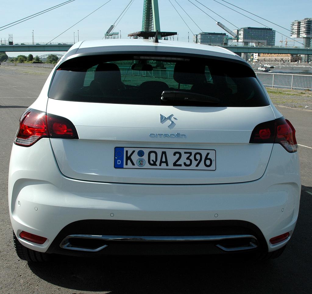Citroën DS4: Auch das Heck ist kraftvoller ausgeformt.