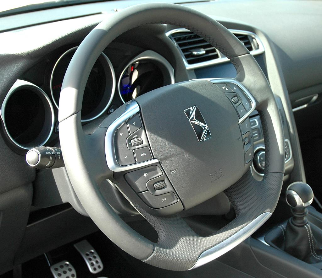 Citroën DS4: Blick ins Cockpit.