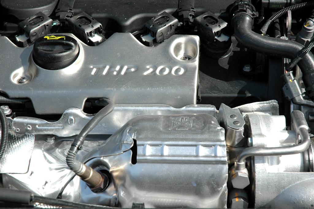 Citroën DS4: Blick unter die Motorhaube, hier des Spitzenmodells mit 200 PS.