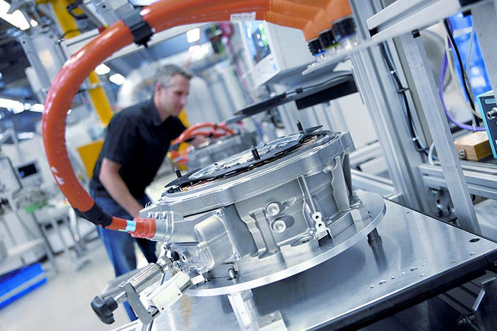 Dem Elektroauto gehört die Zukunft. Auch deutsche Automobilzulieferer wie Bosch sind längst in die Produktion von Elektromotoren und Komponenten eingestiegen.