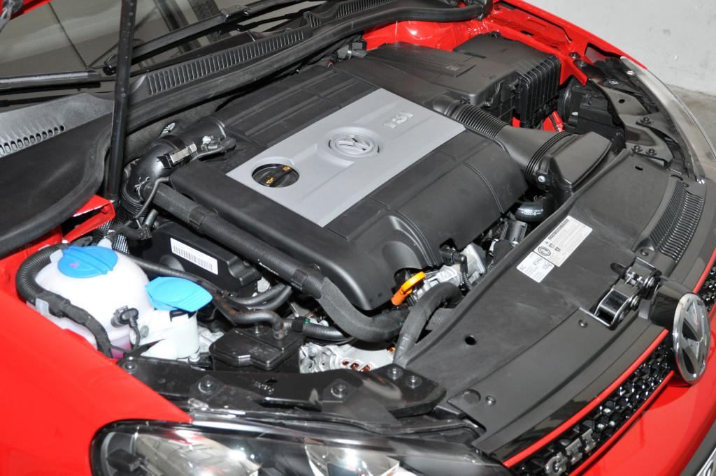 Der 2,0-Liter-Vierzylinder wird zwangsbeatmet