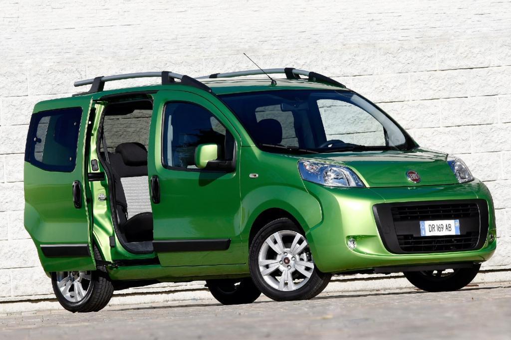 Der Fiat Qubo wartet mit zwei Schiebetüren auf