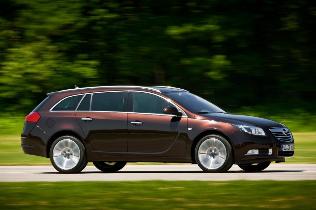 Der Opel Insignia Sports Tourer will vor allem mit seinem Blechkleid gefallen.