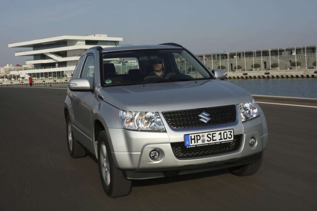 Der Suzuki Grand Vitara ist auf und abseits befestigter Straßen zu Hause