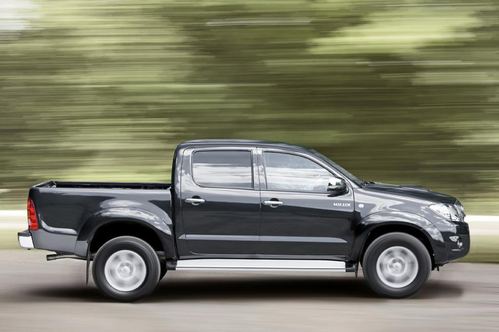 Der Toyota Hilux kann wahlweise mit Heck- oder Allradantrieb geordert werden.