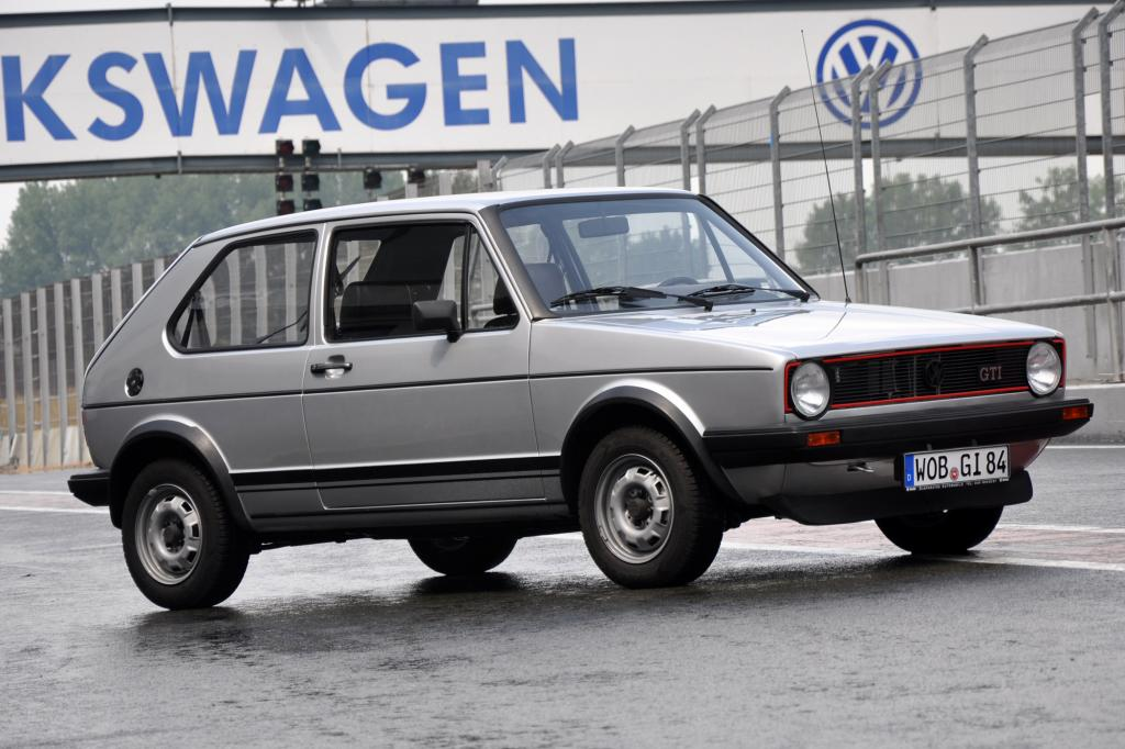 Der hier gezeigte 1er Golf ist schon das Facelift-Modell mit geänderten Stoßstangen